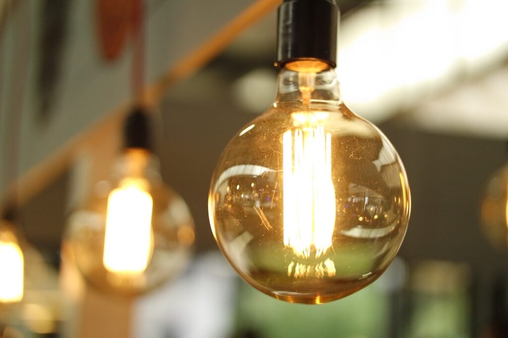 Incandescent lightbulb